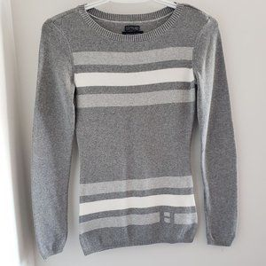 Tommy Hilfiger long sleeved sweather